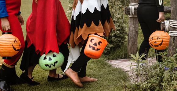 Parents, here's how game theory can help you survive candy sharing on Halloween